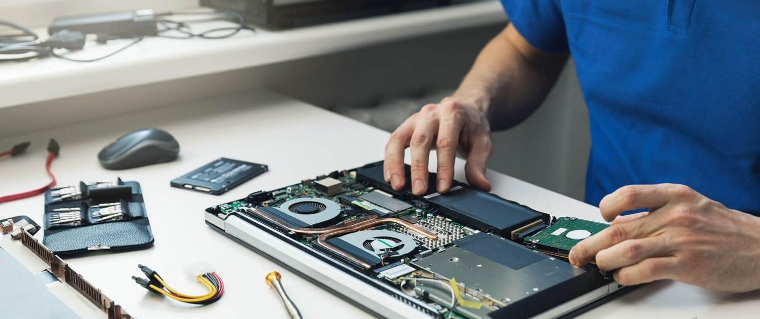 Laptop Repair Brisbane Bayside - Techbusters repairing Laptop